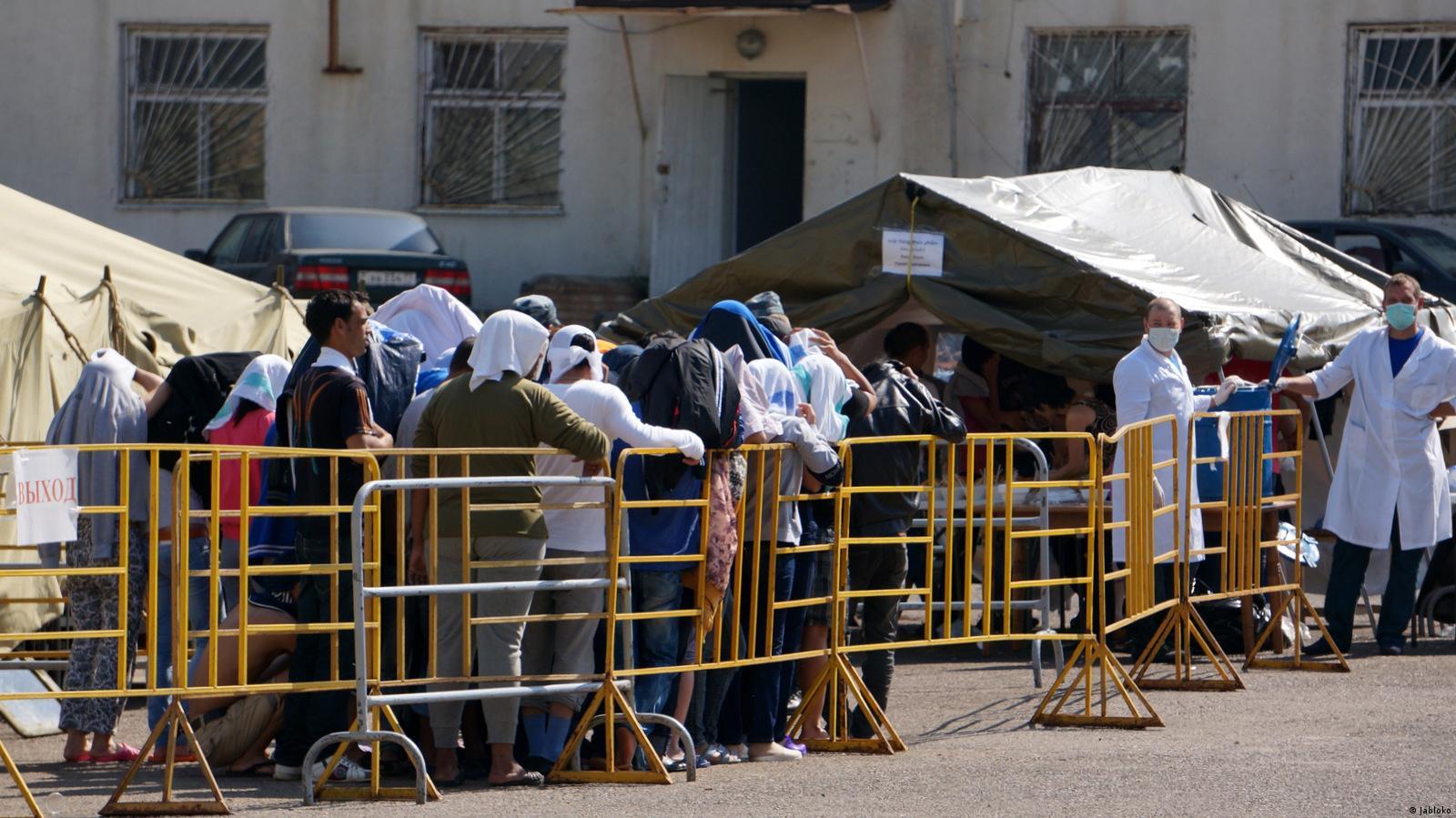 Лагерь для нелегальных мигрантов в Гольяново