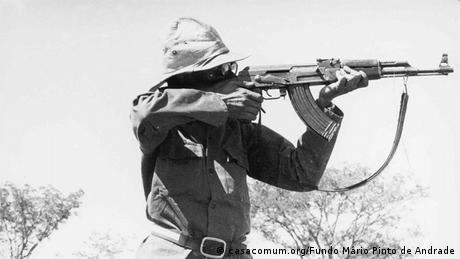 Mário Pinto de Andrade, líder histórico do MPLA, durante a luta pela independência