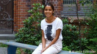 Rodina Acharya engagiert sich im Studienbegleitprogramm für internationale Studierende STUBE (Foto: DW/Bianca Schröder)