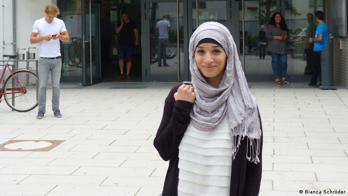 Die Studentin Leila Younes El-Amaire engagiert sich im Rat muslimischer Studierender und Akademiker (Foto: DW/Bianca Schröder)
