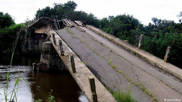 Bridge damaged during Angola's civil war