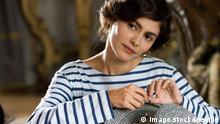 Bildnummer: 52946519 Datum: 25.03.2009 Copyright: imago/Granata Images Schauspielerin Audrey Tautou im Film - Coco Avant Chanel (Warner Bros.) - PUBLICATIONxINxGERxSUIxAUTxONLY !ACHTUNG! NUTZUNG NUR BEI FILMTITEL NENNUNG!, Personen; 2009, Filmszene, Szene; , quer, Kbdig, Einzelbild, close, Aktion, People Bildnummer 52946519 Date 25 03 2009 Copyright Imago Granata Images Actress Audrey Tautou in Film Coco Avant Chanel Warner Paperback PUBLICATIONxINxGERxSUIxAUTxONLY Regard Use only at FILMTITEL ANSWER People 2009 Filmmaking Scene horizontal Kbdig Single Close Action shot Celebrities