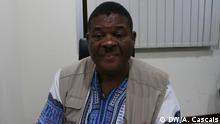 General Pakas Manuel Paulo Mendes de Carvalho, aderiu ao MPLA antes da independência de Angola. Depois da independência participou na guerra contra a UNITA. Agora mostra-se dececionado com o estado da nação
