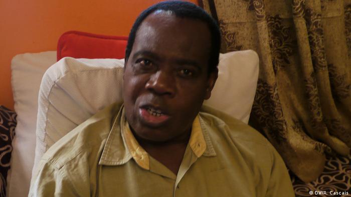 Siona Casimiro, jornalista, conviveu com os movimentos de libertação no exílio congolês. Depois da independência de Angola foi um dos fundadores da agência ANGOP