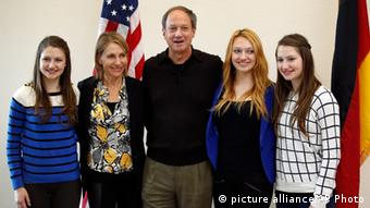 New US ambassador to Germany, John B. Emerson, wife and daughters , (AP Photo/Michael Sohn)