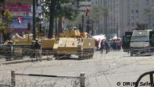 (Panzer vor dem Tahriplatz; Tahrirplatz in Kairo; 16.8.13) Mögliche Bildunterschrift: Journalisten durften den Tahrirplatz nicht betreten DW/Matthias Sailer