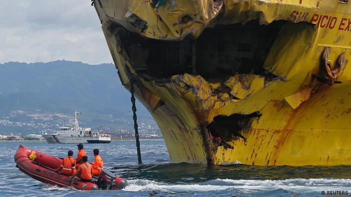 Coastguard rescuers