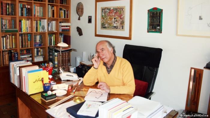 محمد زهرایی: کتاب یک امر قدسیست