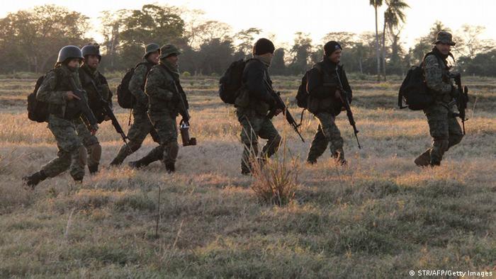 Foto de policías en un patrullaje en Paraguay.