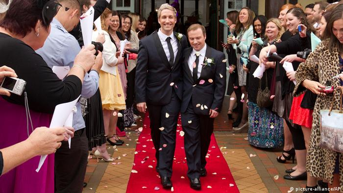The first homosexual male wedding in New Zealand (picture-alliance/AP)