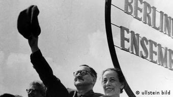 برتولت برشت در سال ۱۹۵۴