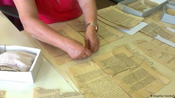 Rekonstruktion zerrissener Stasi-Akten