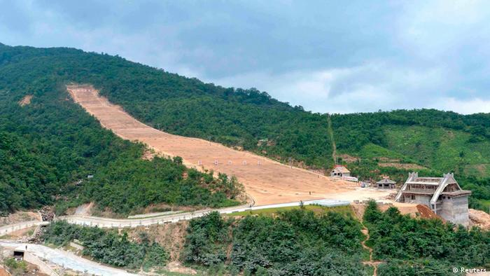 A view of the construction site of a ski resort being built on Masik Pass during a visit by North Korea's leader Kim Jong-un in this undated photo released by North Korea's Korean Central News Agency (KCNA) on August 18, 2013. REUTERS/KCNA (NORTH KOREA - Tags: BUSINESS CONSTRUCTION SOCIETY POLITICS) ATTENTION EDITORS - THIS PICTURE WAS PROVIDED BY A THIRD PARTY. REUTERS IS UNABLE TO INDEPENDENTLY VERIFY THE AUTHENTICITY, CONTENT, LOCATION OR DATE OF THIS IMAGE. FOR EDITORIAL USE ONLY. NOT FOR SALE FOR MARKETING OR ADVERTISING CAMPAIGNS. NO THIRD PARTY SALES. NOT FOR USE BY REUTERS THIRD PARTY DISTRIBUTORS. THIS PICTURE IS DISTRIBUTED EXACTLY AS RECEIVED BY REUTERS, AS A SERVICE TO CLIENTS