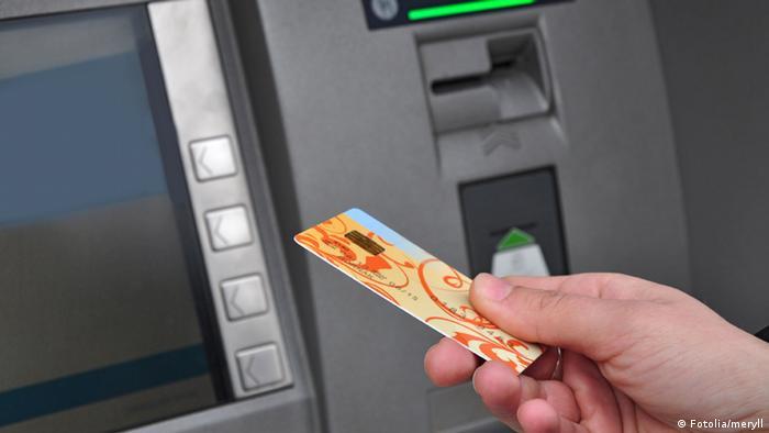 Symbolbild Geldautomat (Fotolia/meryll)