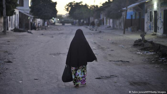 Symbolbild Frauen Vergewaltigung Not Hunger Armut in Somalia
