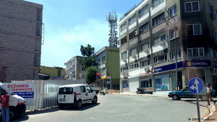 Der Ort der Anschläge in Reyhanli drei Monate später - inzwischen ist der Wiederaufbau weit vorangeschritten (Foto: Monika Griebeler)