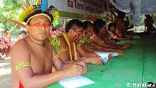 Dario Yanomami wärend einer Sitzung; Juni 2013, Yanomami Reserve; Copyright: Hutukara