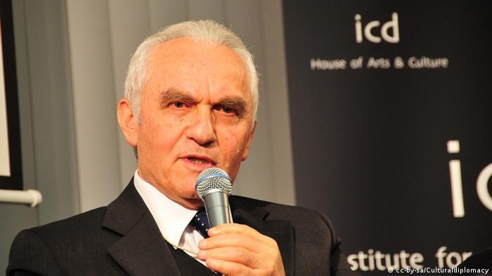 Eski Dışişleri Bakanı Yaşar Yakış
