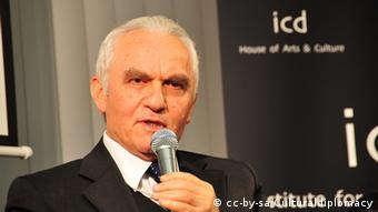 Porträt des ehemaligen türkischen Außenministers Yasar Yakis (Foto: Wikipedia)