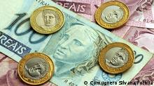 Münzen und Scheine der brasilianischen Währung Real #40907640 © Comugnero Silvana - Fotolia.com