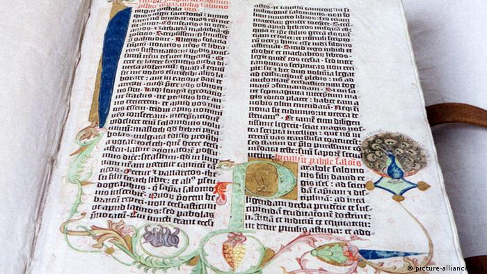 Stranica Lutherove Biblije koju je tiskao Gutenberg (picture-alliance/dpa)
