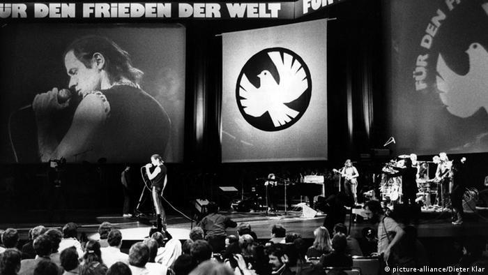 Udo Lindenberg performing in East Berlin in 1983 at the Palast der Republik