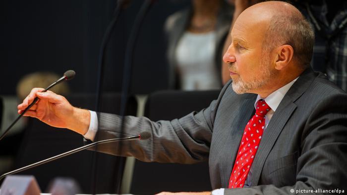 Euro Hawk Untersuchungsausschuss Berlin SPD Obmann Rainer Arnold