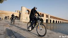 Frauen und Fahrrad