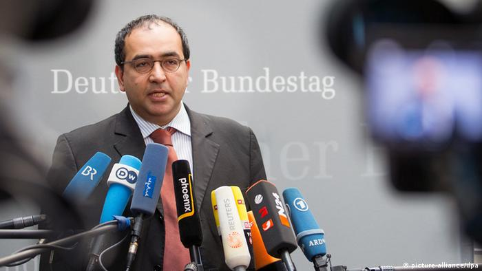 امید نوریپور متولد ۱۹۷۵ در تهران است و در سال ۱۹۸۸ با خانوادهاش به آلمان مهاجرت کرد. او در رشتههای جامعهشناسی، فلسفه و اقتصاد تحصیل کرده و از سال ۱۹۹۶ به عضویت حزب سبزها درآمد. نوریپور از سپتامبر سال ۲۰۰۶ به جای یوشکا فیشر در لیست انتخاباتی سبزها به مجلس آلمان راه یافت.