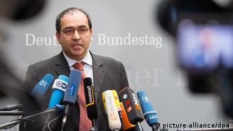 Omid Nouripour speaking to the press Photo: Hannibal/dpa
