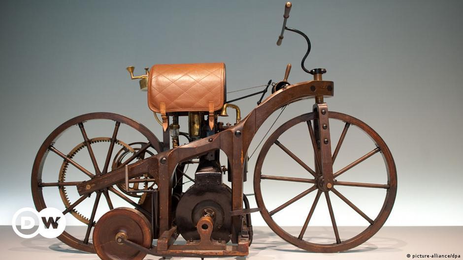 1885: Daimler patenteia a motocicleta | Fatos que marcaram o dia | DW |  31.08.2020