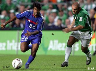 Vikash Dhorasoo in France's qualifying match against Ireland in Dublin, Sept. 2005