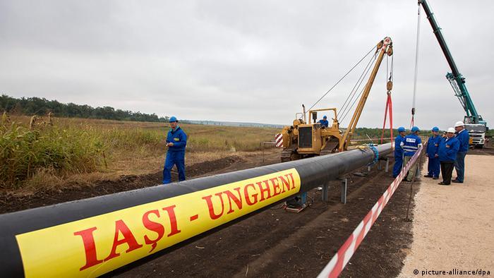 Строительство газопровода Яссы - Унгены (фото из архива)