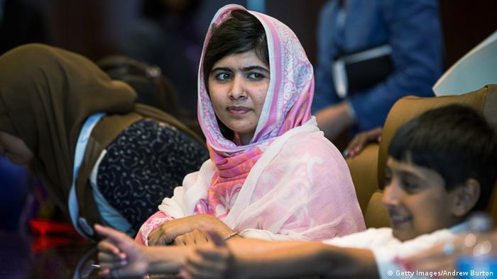 Die pakistianische Kinderrechtsaktivistin Malala Yousafzai bei der Jugendversammlung der Vereinten Nationen im Juli 2013 (Foto: Andrew Burton/Getty Images)