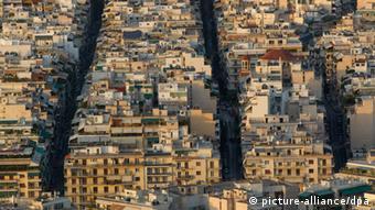 Στο στόχαστρο ξένων επενδυτών οι αθηναϊκές πολυκατοικίες λόγω Airbnb
