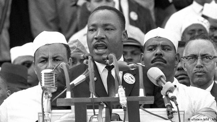 Мартін Лютер Кінг під час промови У мене є мрія у 1963 році