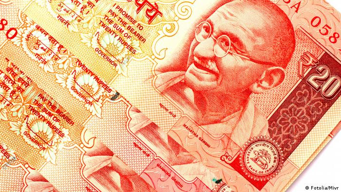 © Mivr - Fotolia.com Indian bank notes of twenty rupees