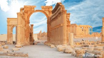 Arch of Triumph in the 2000-year-old-city of Palmyra, Copyright: Fotolia