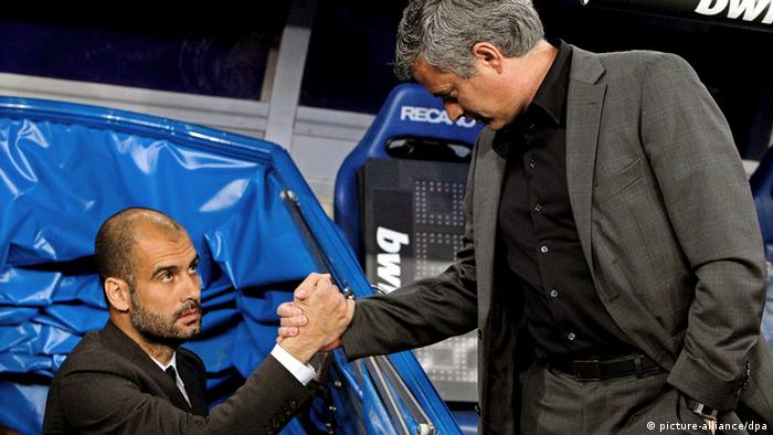 Pep Guardiola und Jose Mourinho (picture-alliance/dpa)