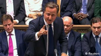 Britain's Prime Minister David Cameron is seen addressing the House of Commons in this still image taken from video in London August 29, 2013. Cameron said on Thursday it was unthinkable that Britain would launch military action against Syria to punish and deter it from chemical weapons use if there was strong opposition at the United Nations Security Council. REUTERS/UK Parliament via Reuters TV (Foto: Reuters) / Eingestellt von wa