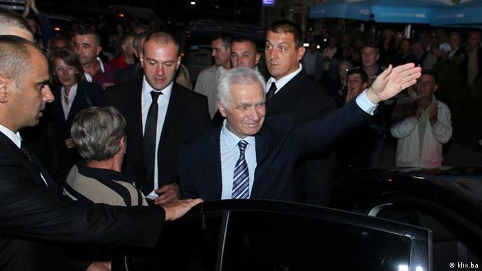 Empfang Momcilo Krajisnik Srpska Kriegsverbrecher Verurteilt Sarajevo Rückkehr Bosnien Serbien (klix.ba)