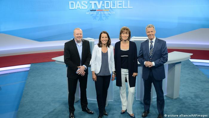 Stefan Raab, Anne Will, Maybrit Illner, Peter Kloeppel im Studio zum Das TV Duell, Kanzlerduell in Adlershof, Berlin, 30. August 2013
