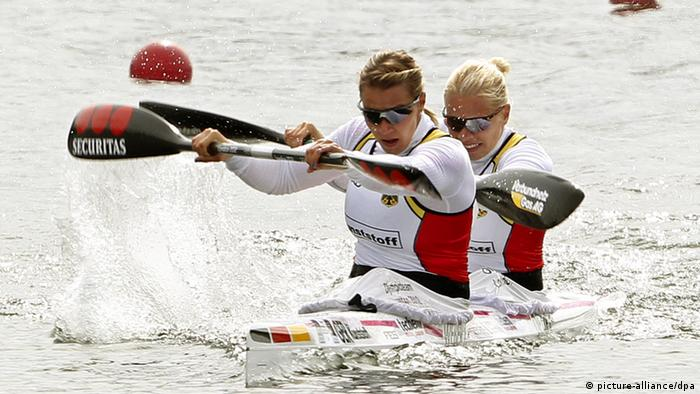 Franziska Weber (l) and Tina Dietze of Germany compete in the K2 Women 200m Final during the ICF Canoe Sprint World Championships at the Sportpark Wedau in Duisburg, Germany, 01 September 2013. Photo: Roland Weihrauch/dpa