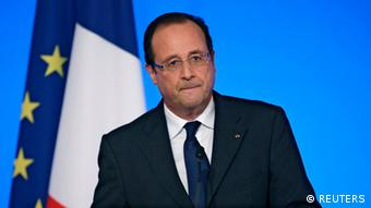 Francois Hollande delivers a speech during the annual Conference of Ambassadors at the Elysee Palace in Paris August 27, 2013.