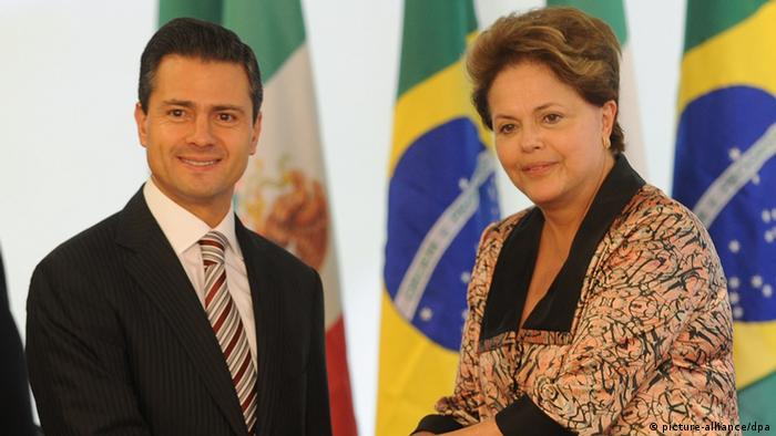 Mexican elected president, Enrique Pena Nieto (L), shakes hands with Brazilian president, Dilma Rousseff (R), at Planalto palace in Brasilia, Brazil, 20 Septembre 2012. EFE/FERNANDO BIZERRA JR