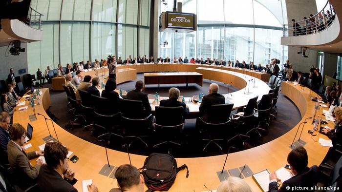 Sitzung des Sportausschusses des Bundestages im Marie-Elisabeth- Lüders-Haus in Berlin (Foto: Rainer Jensen/dpa)