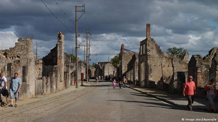 Frankreich Ruinen Oradour-sur-Glane (imago stock&people)