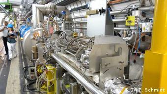 CERN:LHC Large Hadron Collider bei der Wartung