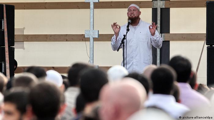 Islamisten-Kundgebung in Hamburg (Foto: Bodo Marks dpa/lno)