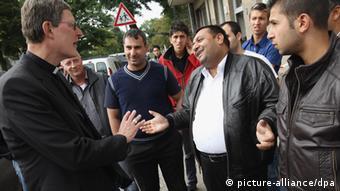 Woelki u razgovoru s Romima u Berlinu